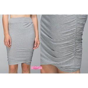 Lululemon grey white Anytime skirt medium